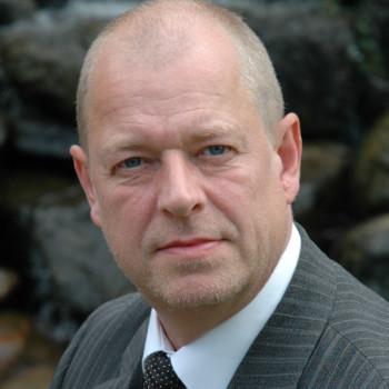 Peter Warming, Warming Liebhaverboliger uden bopælspligt